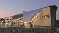 Rumah dengan Atap Tanpa Sambungan